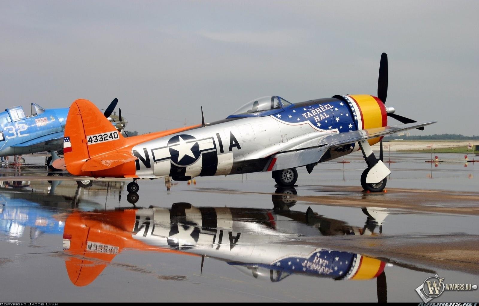 American P-47 Thunderbolt 1600x1024