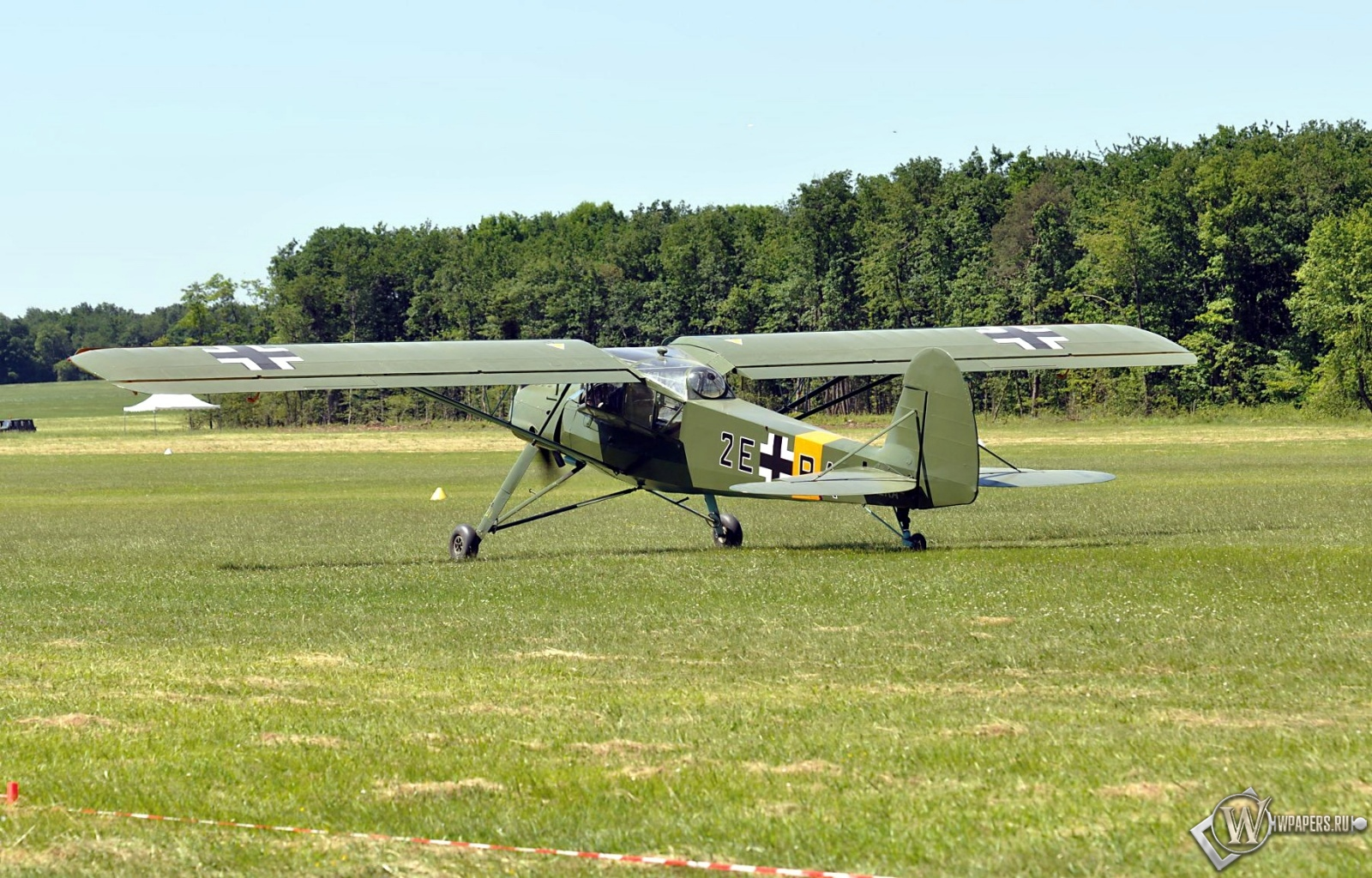 Fieseler Storch Fi-156 1600x1024
