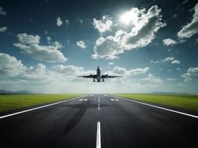 Обои Взлет с аэропорта: Облака, Взлёт, Полоса, Самолеты