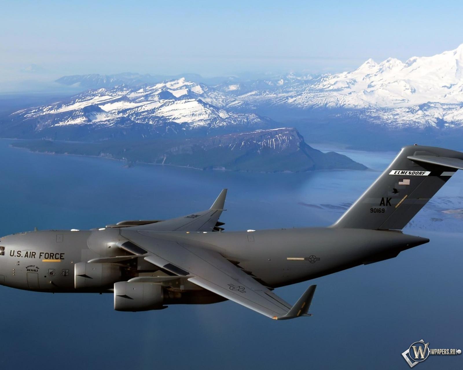Военный самолет air force 1600x1280