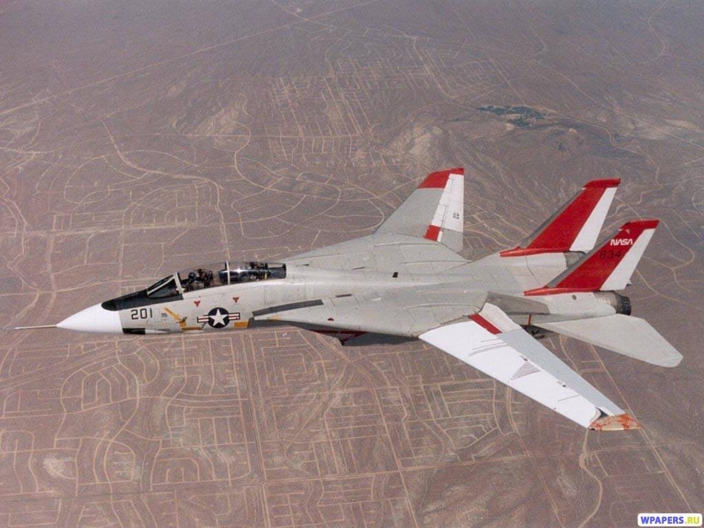 Истребитель с изменяемой геометрией крыла 1024x768