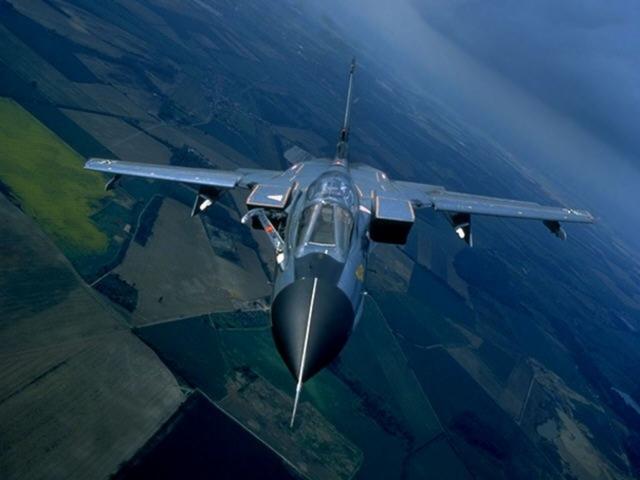 Истребитель с изменяемой геометрией крыла
