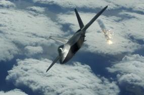 Обои Ловушка из F-35: Истребитель, F-35, Тепловая ловушка, Истребители