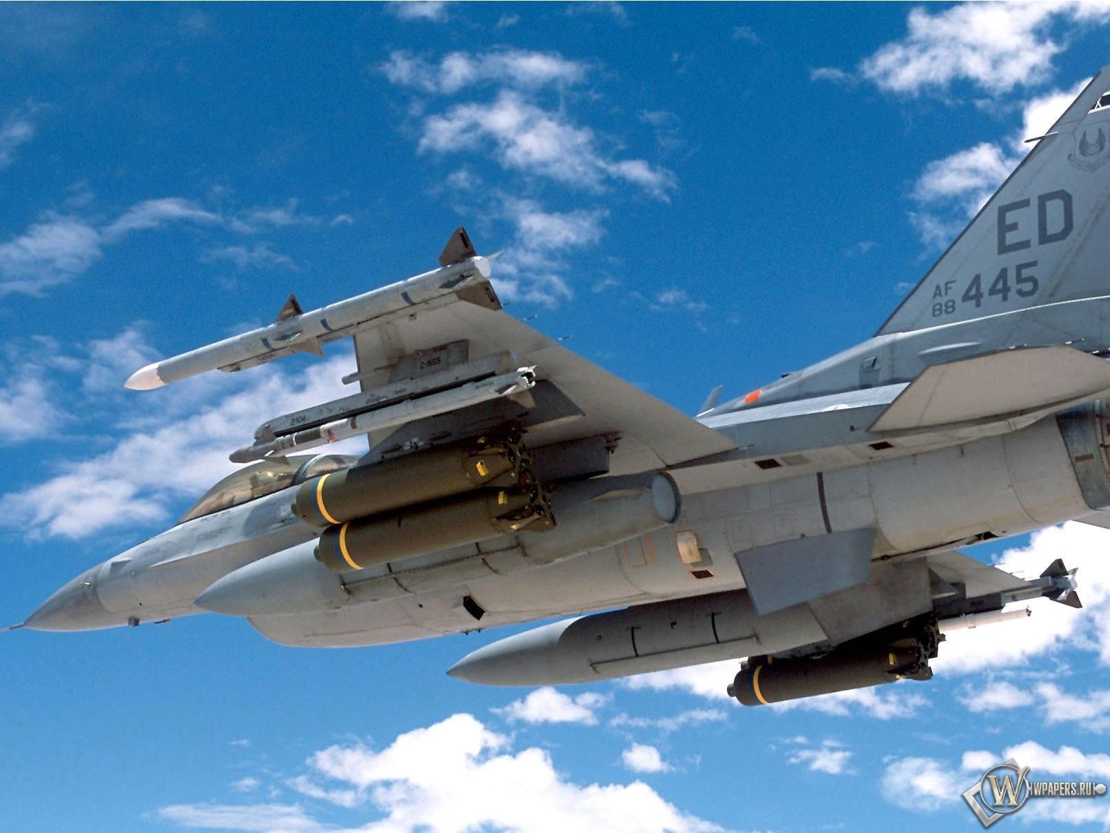 F16 Falcon 1600x1200