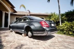 Обои Без колёс: Машина, Пальма, Гараж, Автомобили