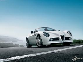Обои Alfa Romeo 8C Spider на фоне неба: Кабриолет, Alfa Romeo 8C, Alfa Romeo