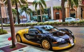 Бугати на парковке