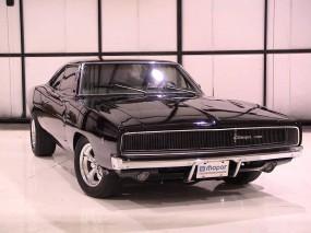 Черный Dodge Charger (1969)