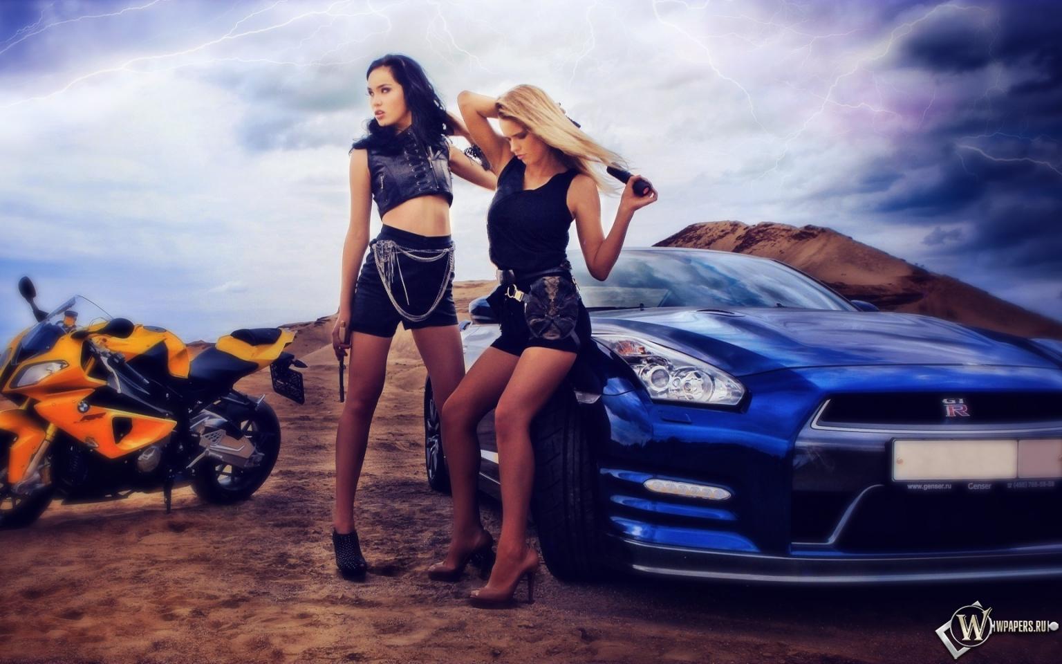Фото девушек вылезающих из машины 7 фотография