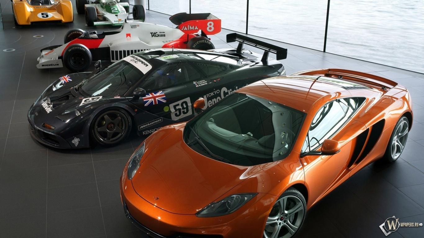 Обои спорткары автосалон спорткары