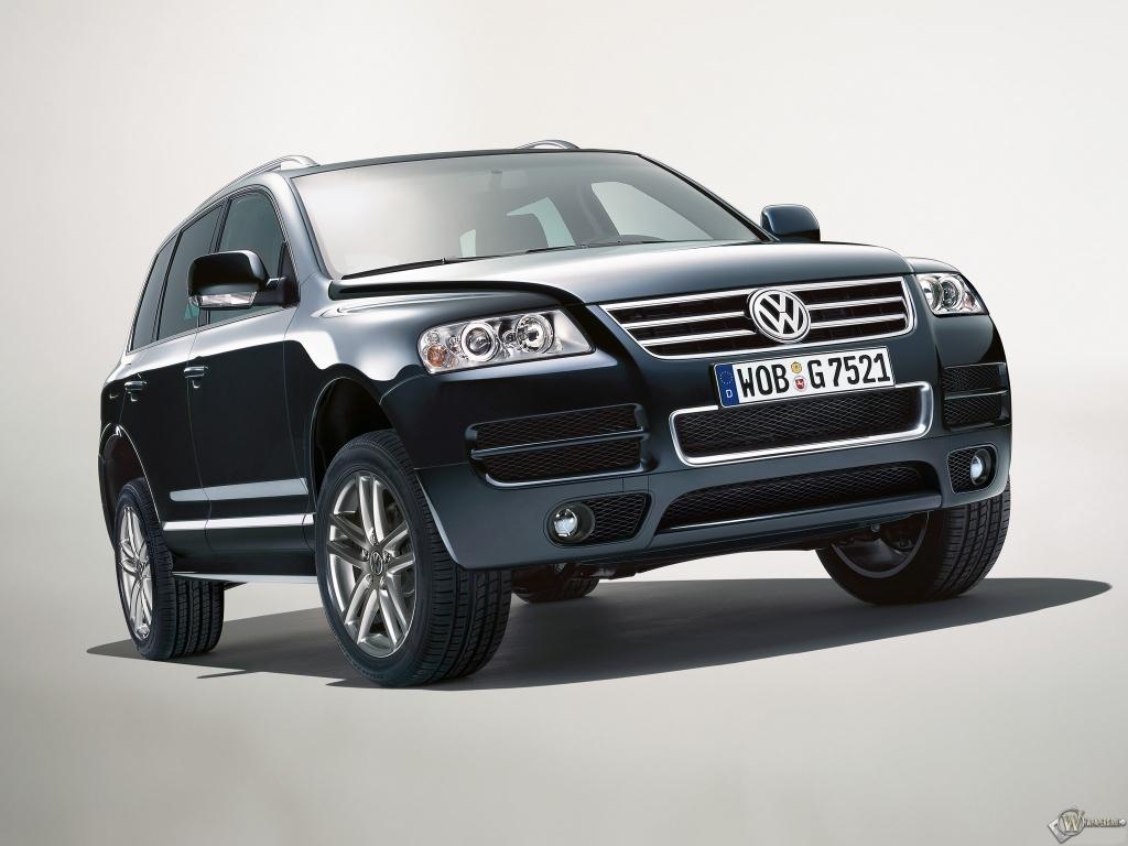 Volkswagen Touareg: 8 фото.