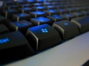 Обои Клавиатура с синей подсветкой: Клавиатура, Кнопка, Компьютерные