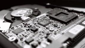 Обои Микросхема на накопителе HDD: Жесткий диск, Компьютер, Микросхема, HDD, Компьютерные-Фэнтези