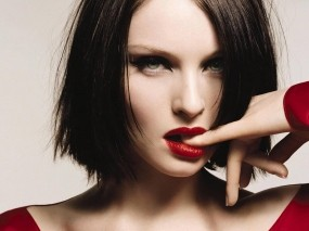 Обои Sophie Ellis Bextor: Взгляд, Губы, Пальчики, Sophie Ellis Bextor, Девушки