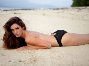 Обои Kelly Brook: Пляж, Актриса, Kelly Brook, Келли Брук, Девушки
