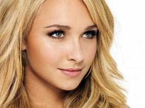 Обои Hayden Panettiere: Улыбка, Взгляд, Блондинка, Лицо, Hayden Panettiere, Девушки