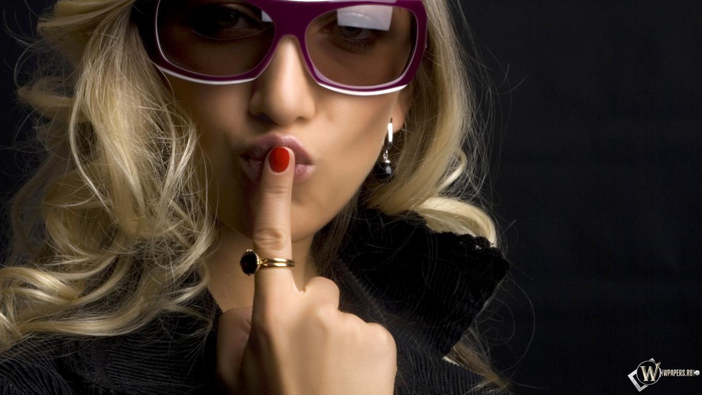 Блондинка хорошо сосет 14 фотография