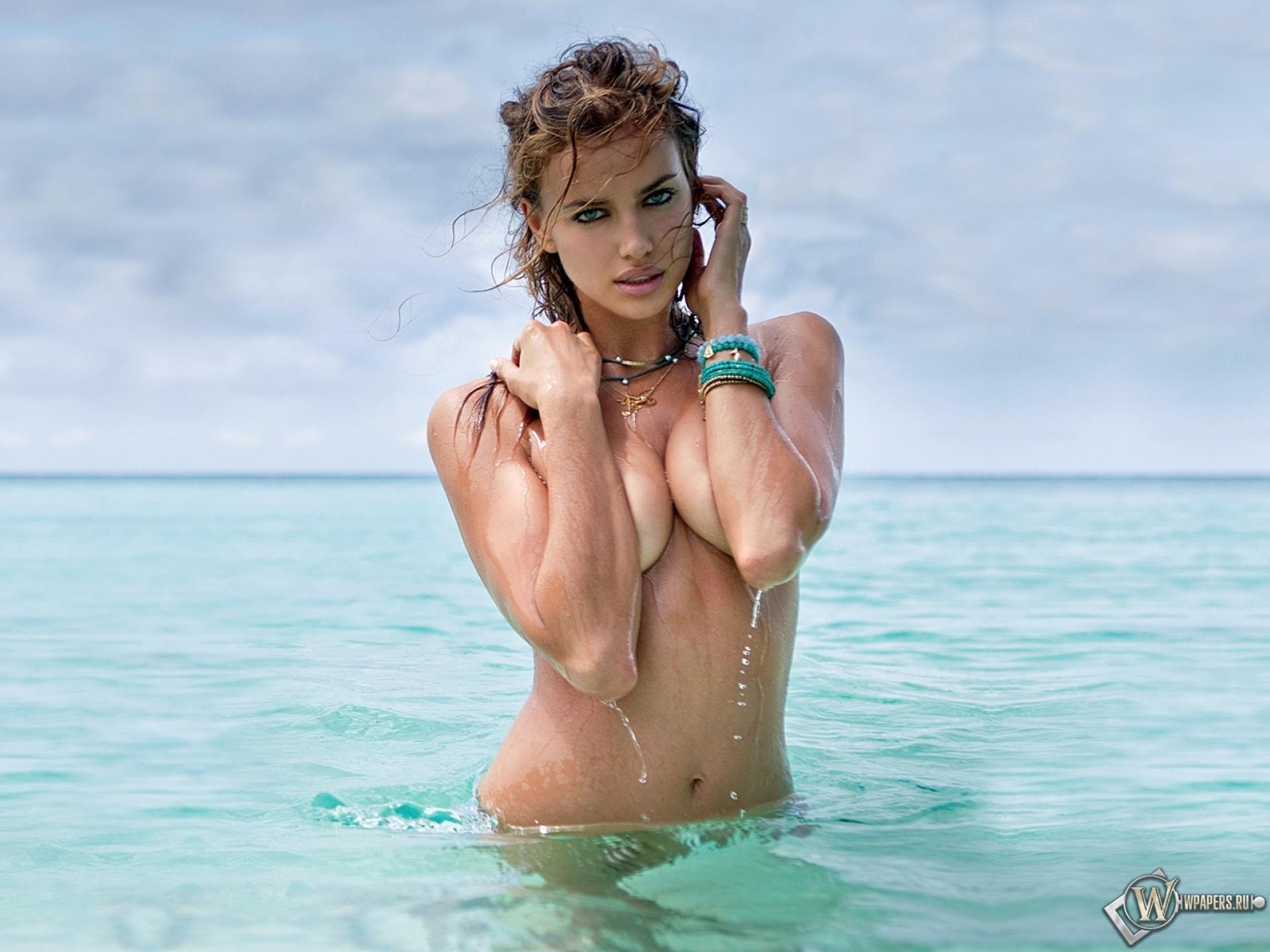 Фото девочки купаются голые 11 фотография