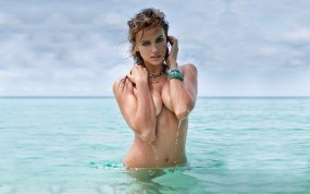 Обои Irina Sheik: Грудь, Вода, Девушка, Irina Sheik, Девушки
