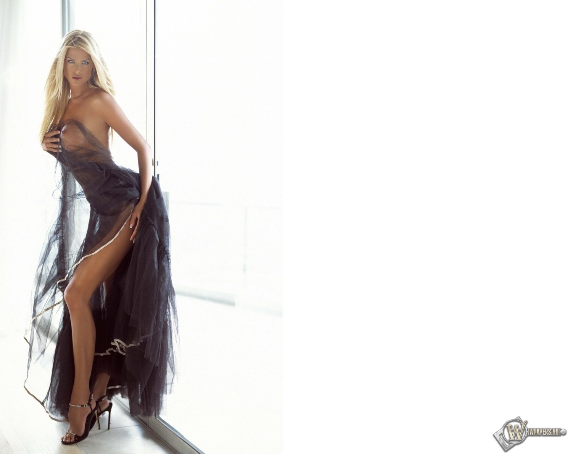 Эротика красивые девушки фото в платьях 24 фотография
