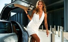 Обои Рози Хантингтон-Уайтли: Платье, Авто, Девушка, Модель, Девушки