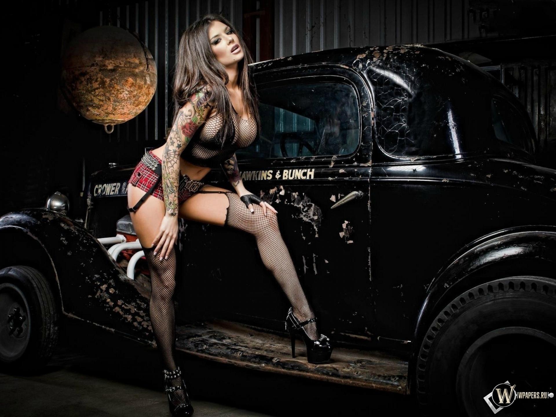 Сексуальные девушки в авто 17 фотография