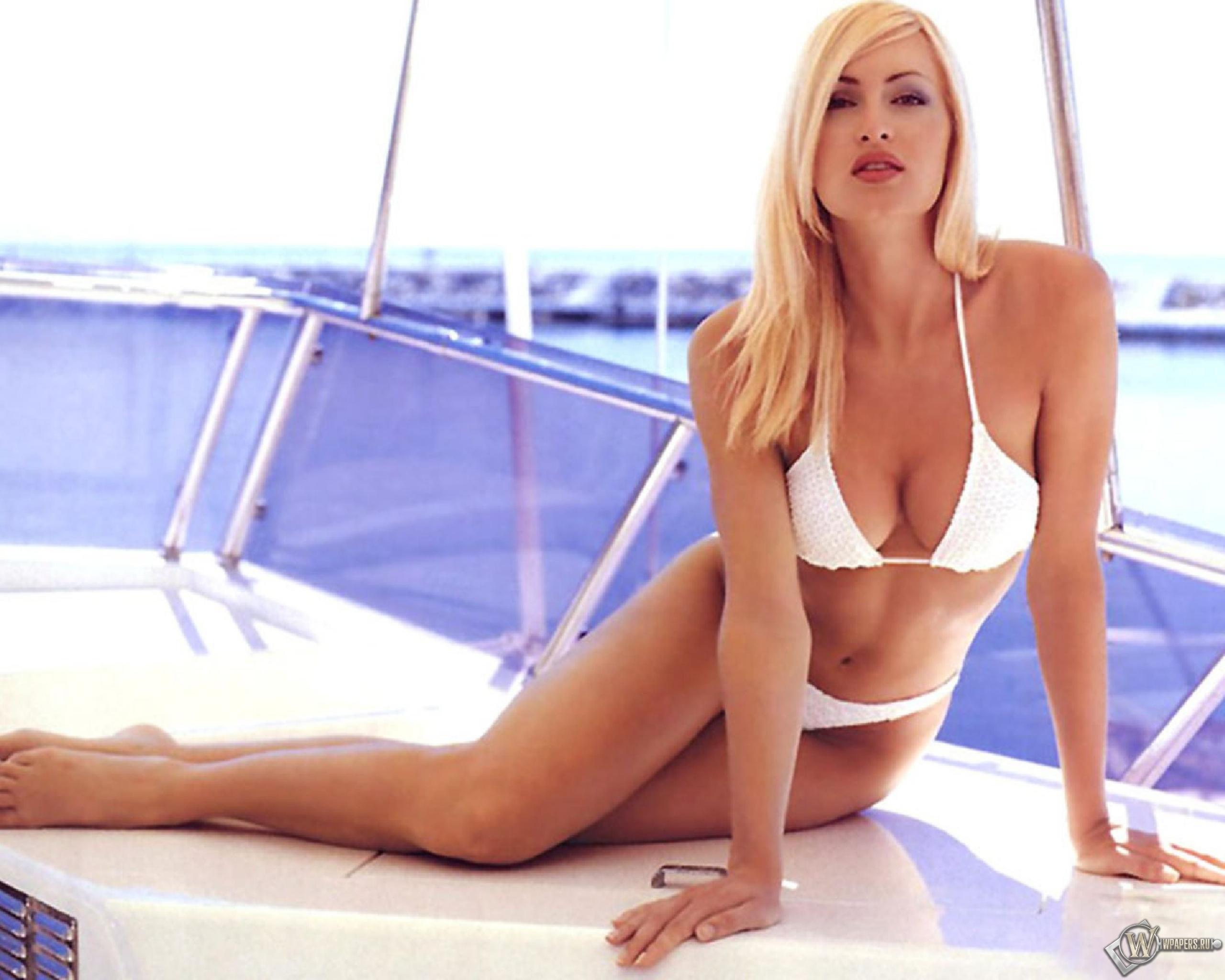 Смотреть девушки на яхте 10 фотография