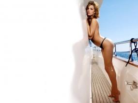Обои Девушка на яхте: Море, Яхта, Белый, Danielle Lloyd, Девушки