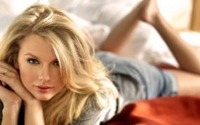 Обои Taylor Swift: Блондинка, Губки, Портрет, Taylor Swift, Носик, Девушки