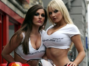 Обои Блондинка и брюнетка: Сиськи, Груди, Девушки, Девушки