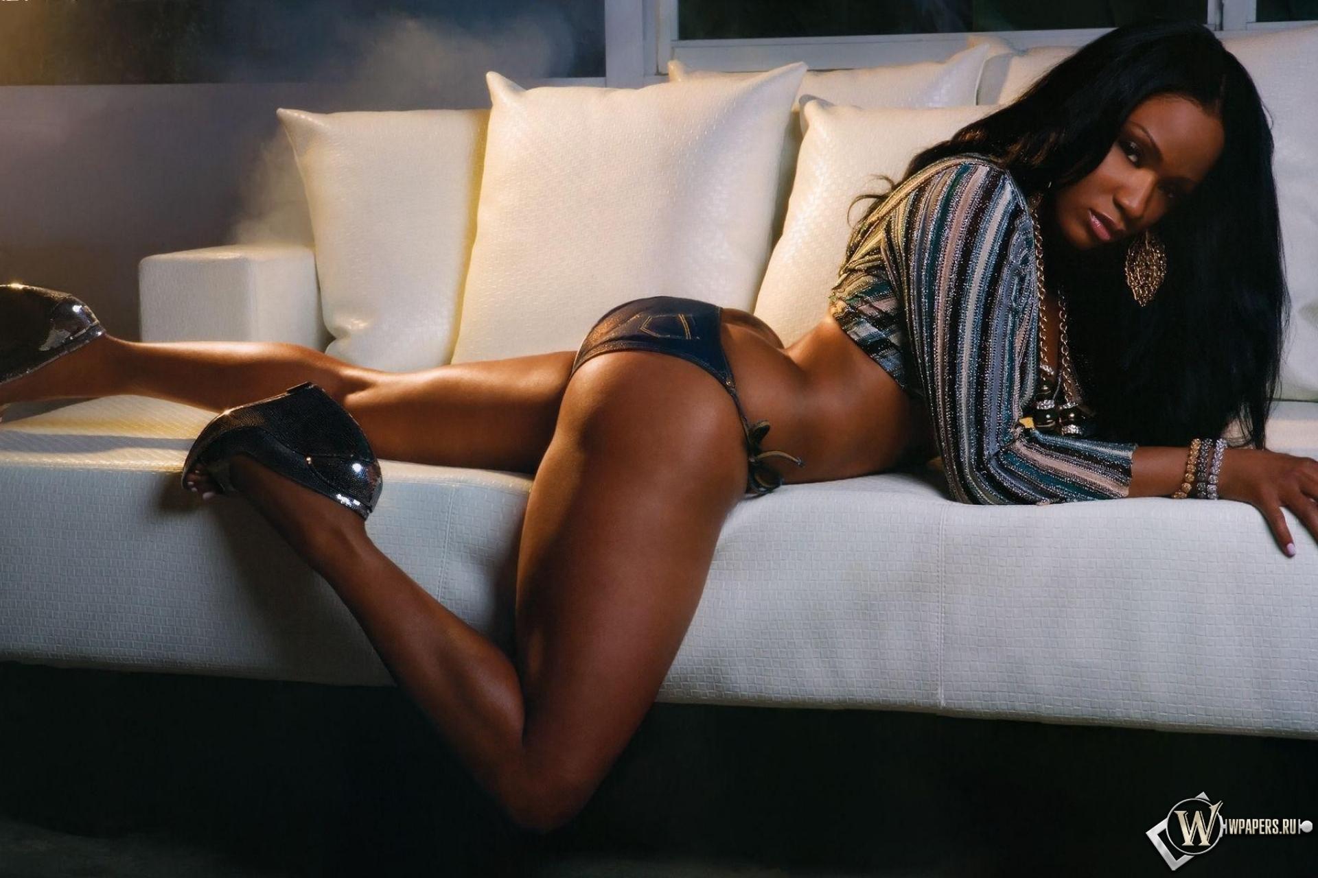 Трах на диван фото 10 фотография