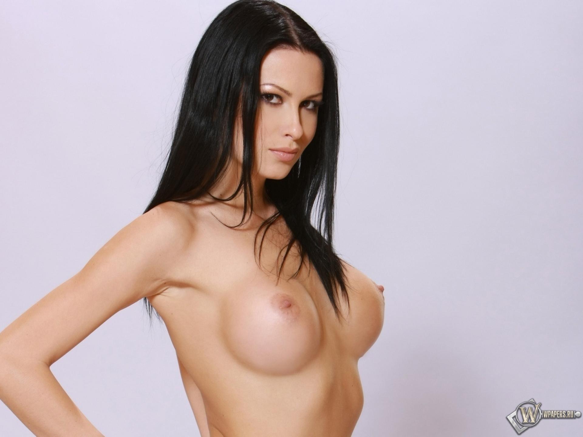 Фотосессия девушек брюнеток голых 2 фотография