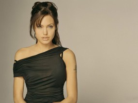 Обои Анжелина Джоли в платье: Платье, Взгляд, Angelina Jolie, Angelina Jolie