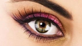 Глаз с большими ресницами