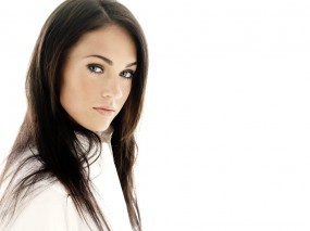 Обои Меган Фокс: Белый фон, Взгляд, Меган Фокс, Megan Fox