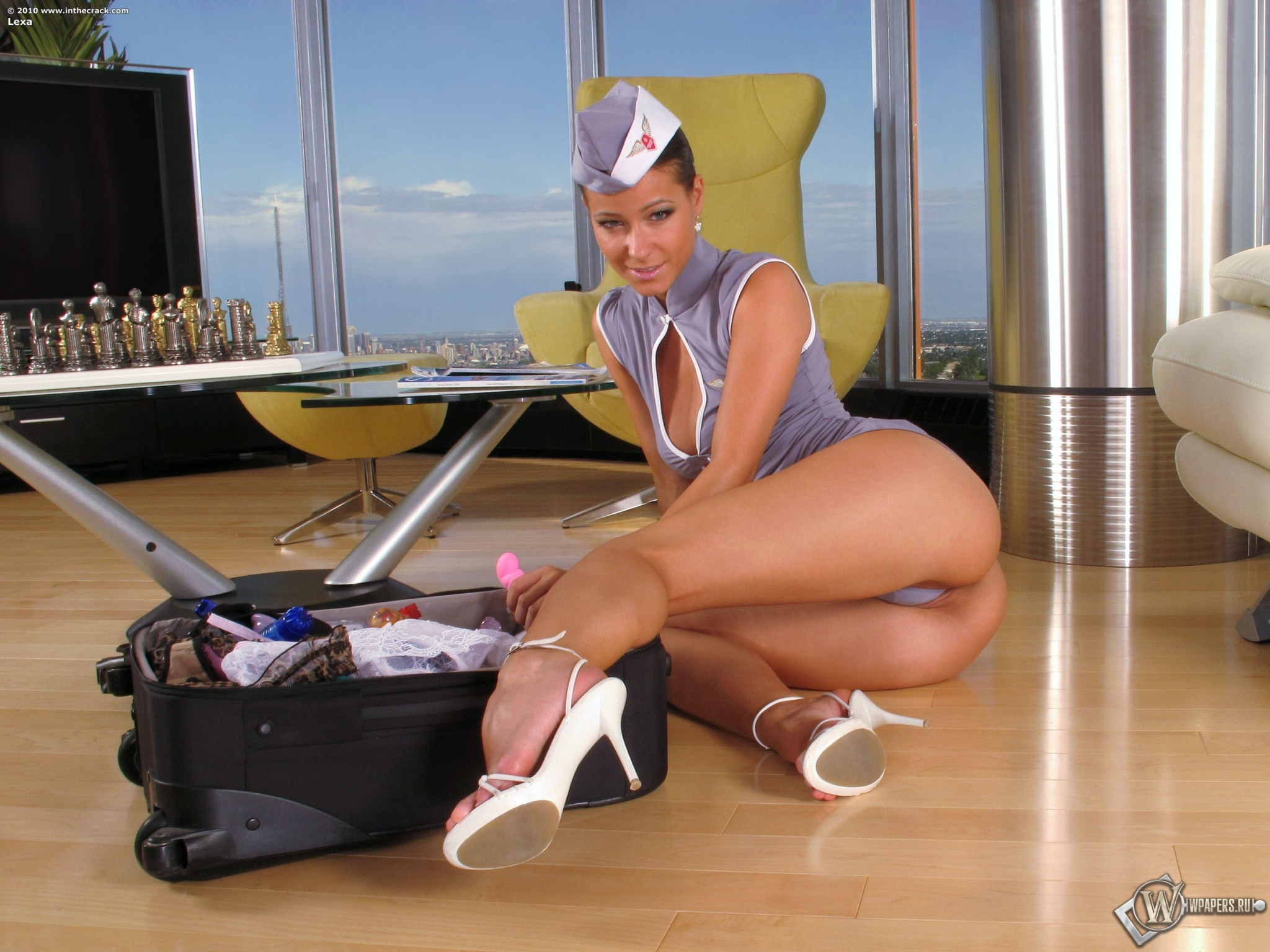 Melisa Mindy стюардесса 2048x1536