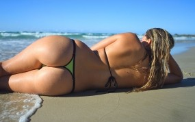 Обои Мокрая попка: Пляж, Море, Попа, Мокрые девушки