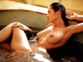 Обои Девушка в ванне: Вода, Мокрая грудь, Ванная комната, Купания, Beatrice Chirita, Мокрые девушки