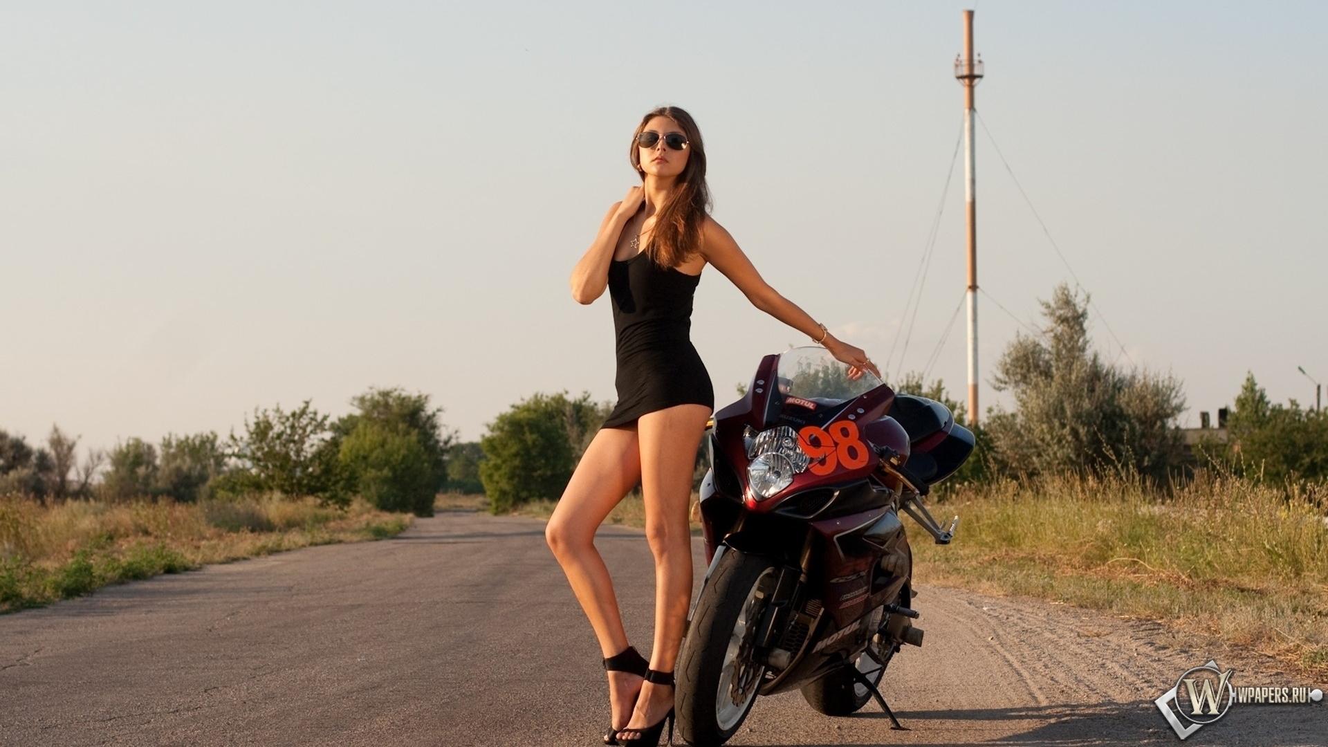 Фото ганих жіночих ніжок в облягаючи сукнях 10 фотография