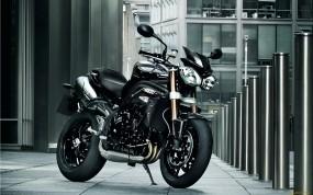Обои Triumph: Мотоцикл, Чёрный, Улица, Мотоциклы