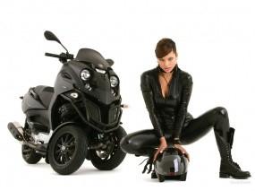 Обои Gilera Fuoco: Мотоциклы с девушками, Gilera Fuoco, Мотоциклы