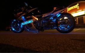 Обои SUZUKI в неоне: Неон, Мотоцикл, Suzuki, Suzuki