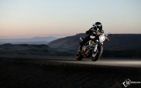 Yamaha на трассе