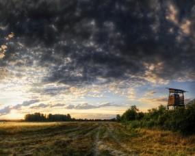 Обои Красивое закатное небо: Облака, Дорога, Поле, Природа