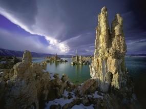 Обои Скалы у моря: Снег, Море, Скалы, Природа