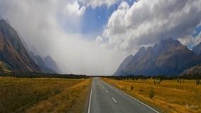 Обои Бескрайняя дорога: Горы, Дорога, Небо, Прочие пейзажи