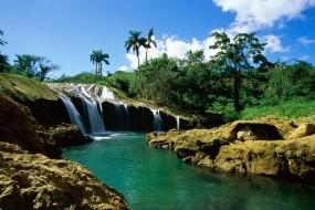 Обои Кубинский водопад: Пальмы, Водопад, Небо, Природа