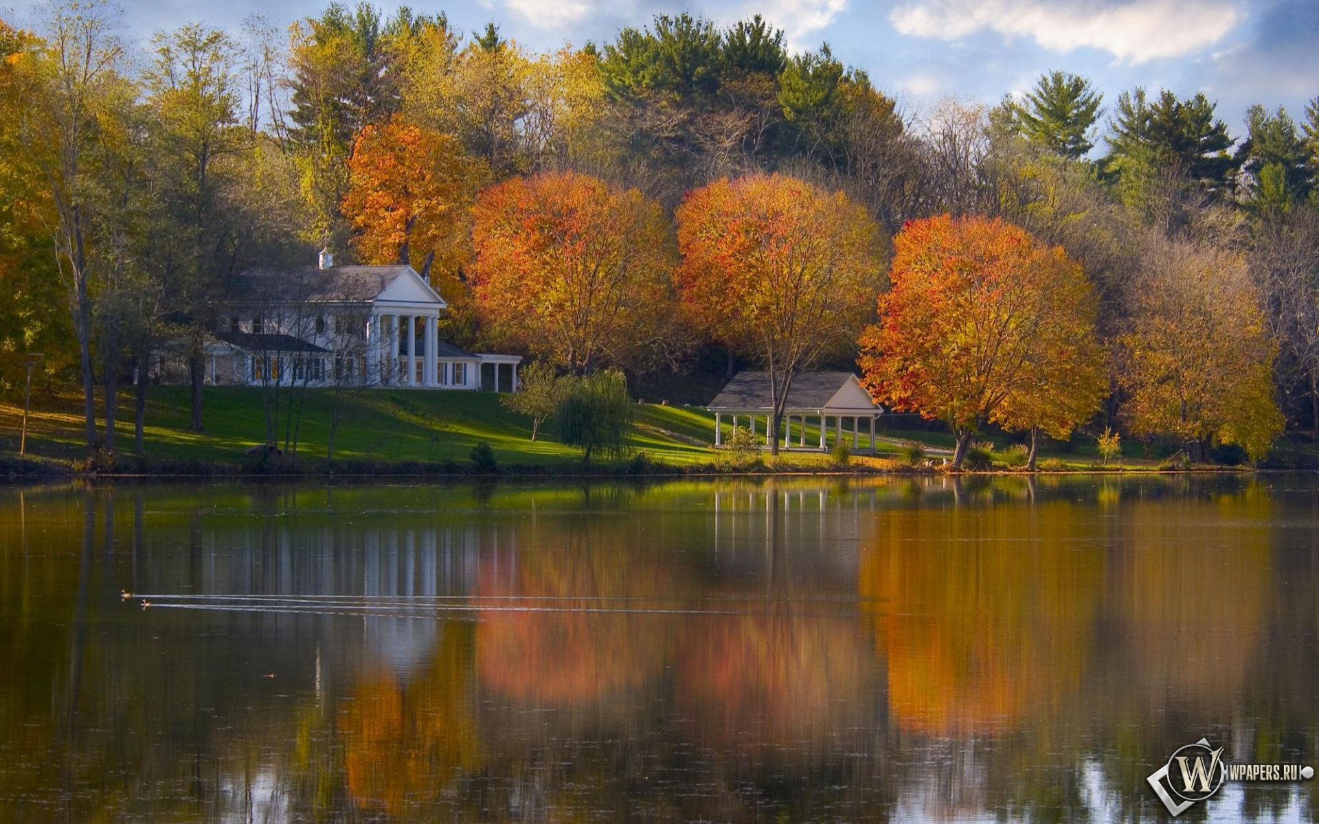 Обои дом на берегу озера на рабочий