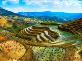 Обои Рисовые поля в Китае: Облака, Горы, Вода, Небо, Китай, Природа