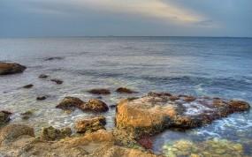 Обои Каменистый берег: Море, Камни, Небо, Горизонт, Вода и небо